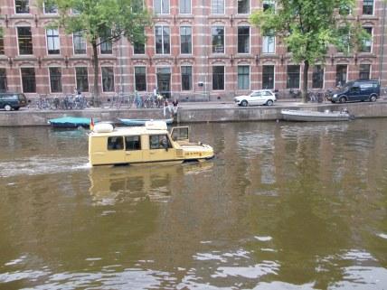 Car?... Boat?...